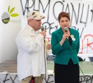 Duo-formidable-Rovana-Plumb-si-Mihaiu-cu-salvati-Rosia-in-piept