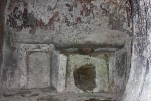masa-din-piatra-din-lacasul-de-cult-vechi