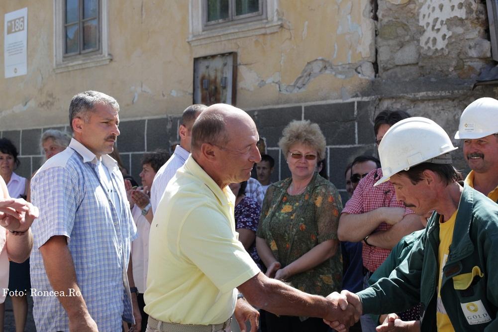 Basescu-Rosia-Montana-Foto-Victor-Roncea-14