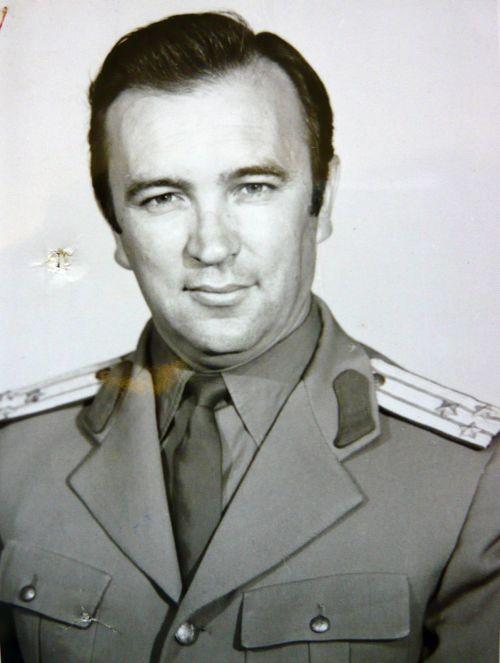 Colonelul de Securitate Mihai Caraman in 1974